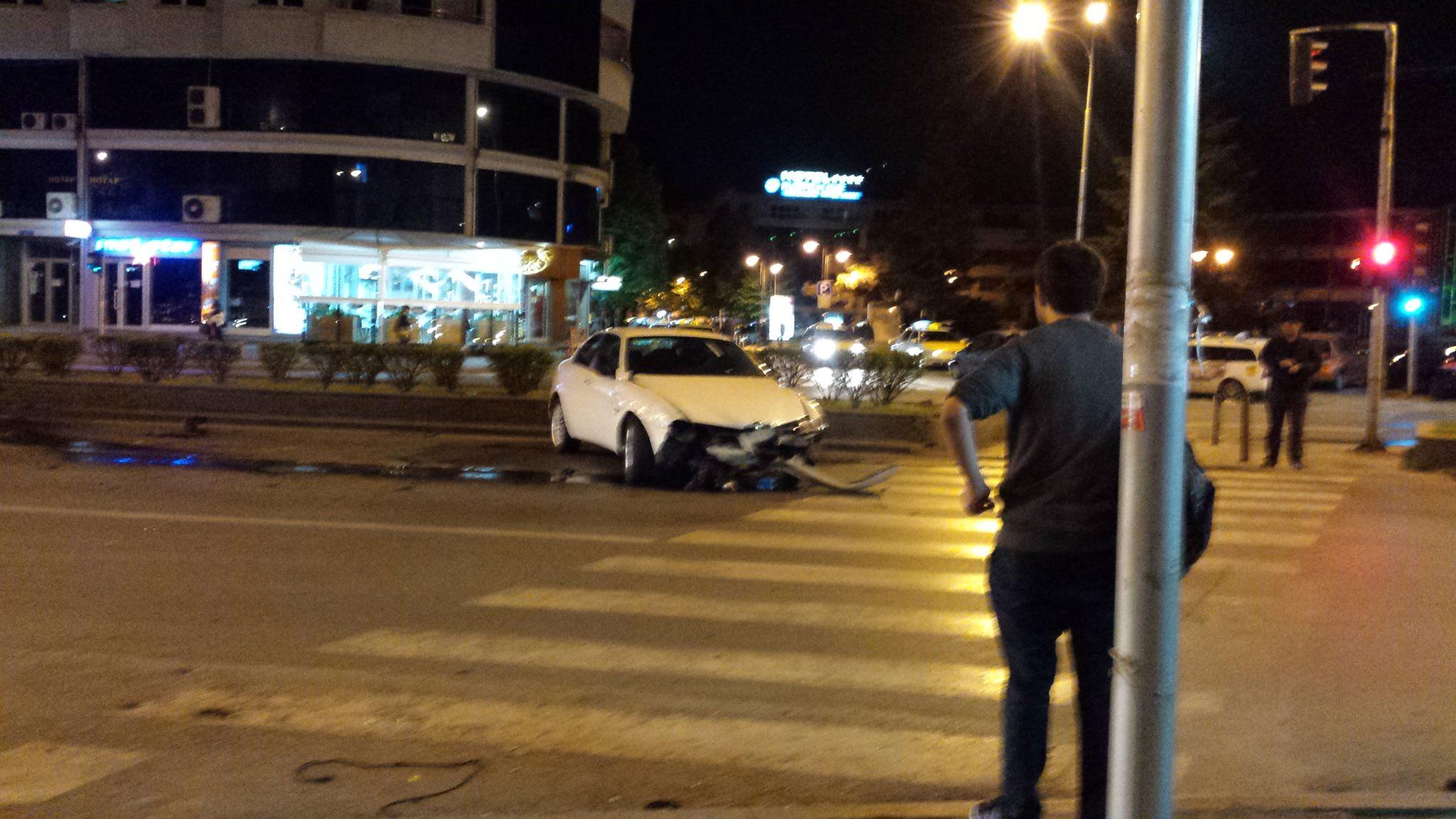 ФОТО: Тешка сообраќајна несреќа вечерва кај Универзална сала
