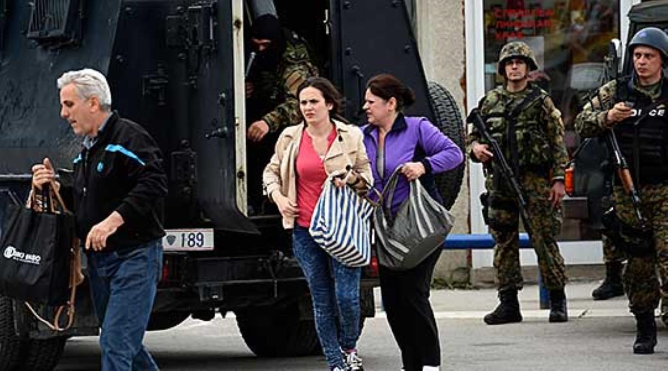 """Продолжува евакуацијата во кумановската населба """"Тоде Мендол"""""""