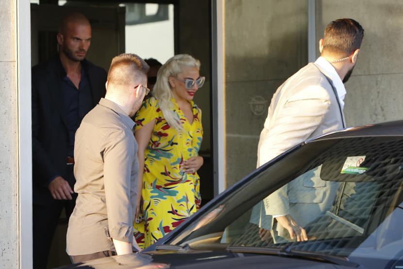 """ФОТО: Лејди Гага на """"гости"""" во Белград - го посетила својот свршеник Тејлор Kини"""