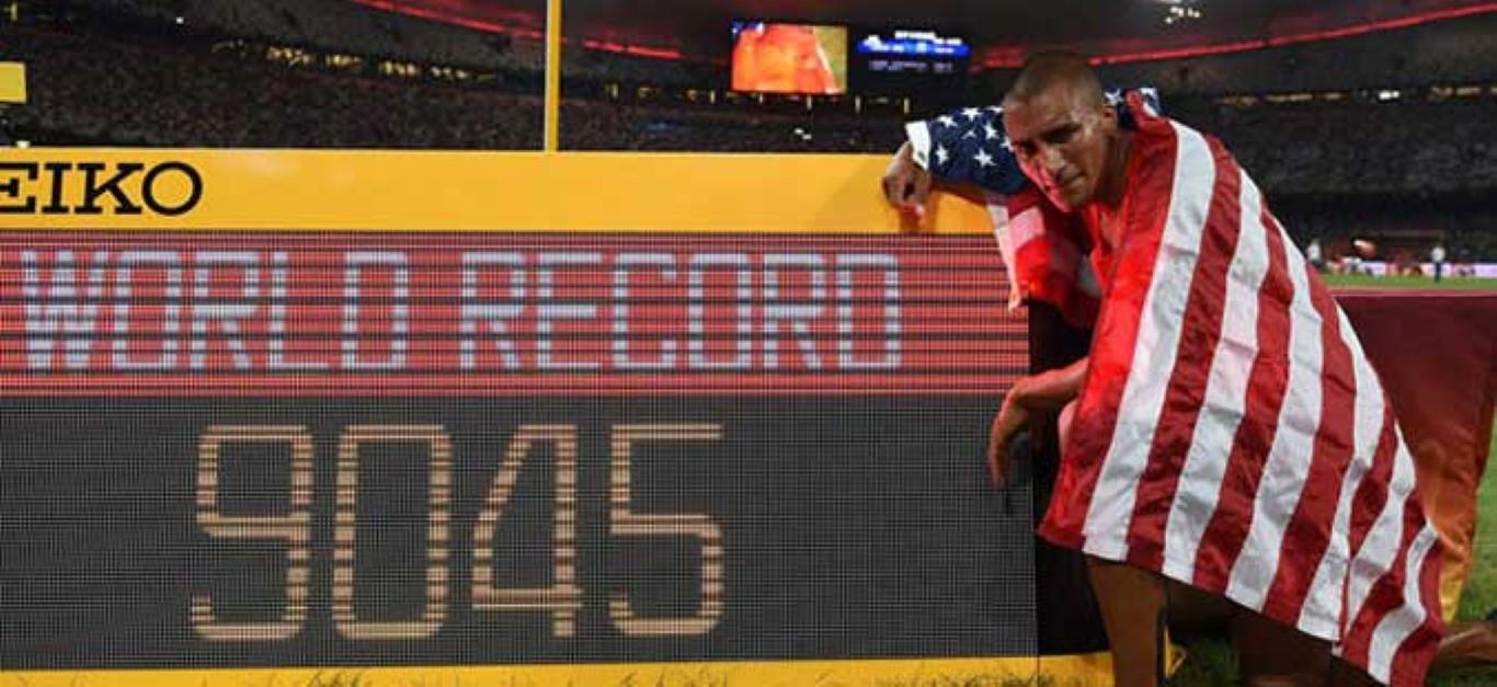 Штафетите на Јамајка најбрзи на 4x100 метри, Итон со нов светски рекорд на Мундијалот во Кина