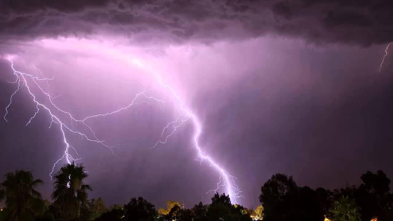 Пороен дожд и грмежи во западна Македонија и Скопско
