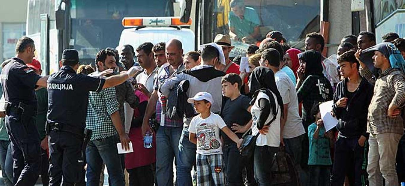За два месеца 44 илјади мигранти влегле во Македонија од Грција
