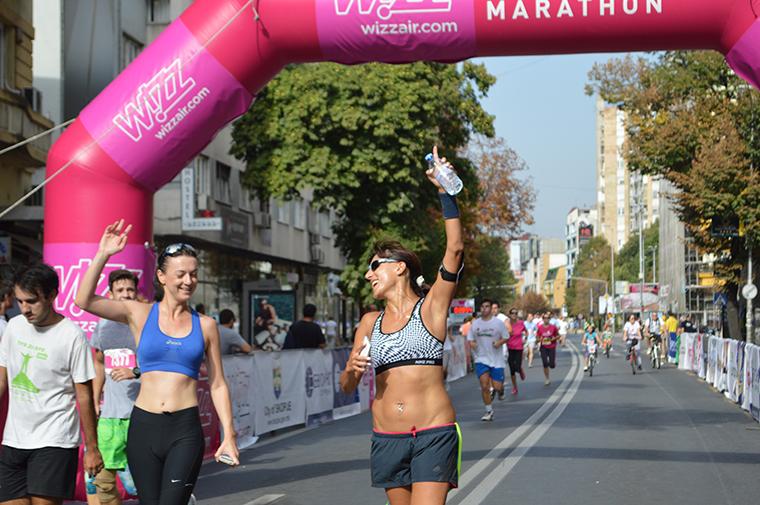 ФОТОГАЛЕРИЈА: Над 3.000 учесници на ревијалната Виз Ер Скопје 5 км трка!
