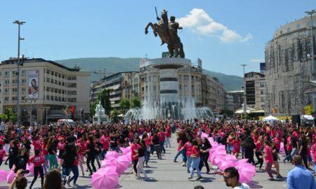 """МАТУРСКА ПАРАДА 2016: 1000 млади во петок ќе танцуваат квадрил на плоштад """"Македонија"""""""