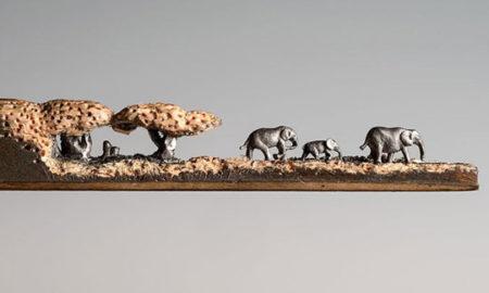 Чудо на минијатурна уметност: Слонови изрезбани во молив