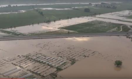 СНИМКА ОД ХЕЛИКОПТЕР: Погледнете ги обилните поплави во Стајковци и Сингелиќ