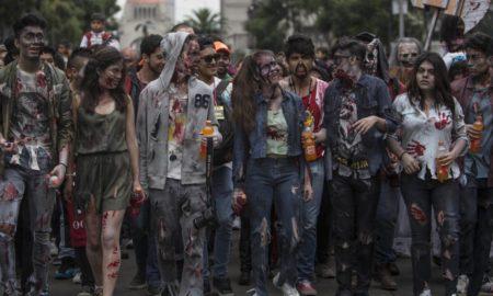 """НЕКОЛКУ ДЕНА ПРЕД """"НОЌТА НА ВЕШТЕРКИТЕ"""": Мексико сити преплавено од зомбија"""