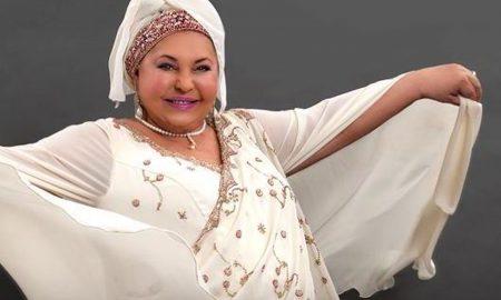 По кратко боледување почина кралицата на ромската музика, Есма Реџепова