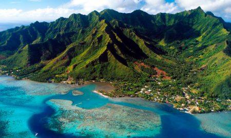 Туристите го обожуваат овој остров и покрај заканите за нуклеарен напад