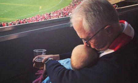 Фотографија на австралискиот премиер предизвикува контроверзии