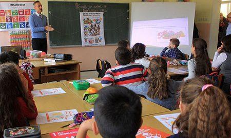 Секое трето дете во Македонија е со зголемена телесна тежина