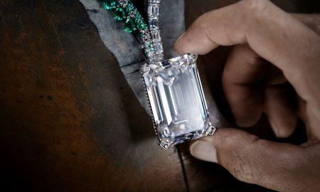 Најголемиот дијамант продаден на аукција за 34 милиони долари