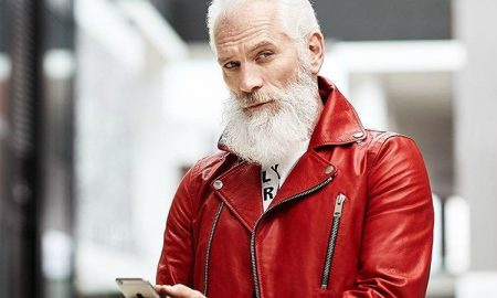 Дедо Мраз по кого воздивнуваат и повозрасните девојки