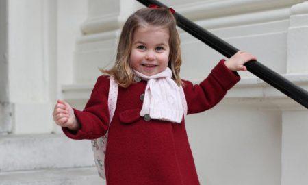 Принцезата Шарлот појде во градинка, светот воодушевен од фотографиите (ГАЛЕРИЈА)
