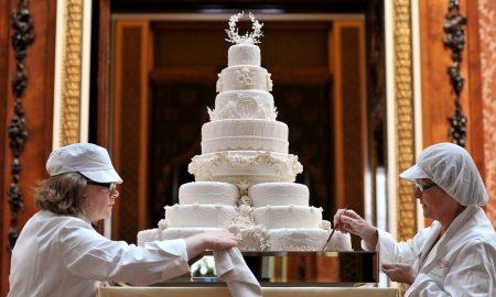 Парчиња торта од венчавката на принцот Чарлс и Дијана одат на аукција