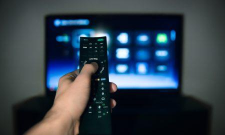 Во Македонија 40 проценти од слободното време се минува пред телевизор